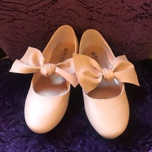 PINK BOW DRESSY SHOES